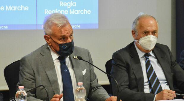 Michele Caporossi, dg dell'Azienda Ospedali Riuniti, con l'assessore regionale Filippo Saltamartini