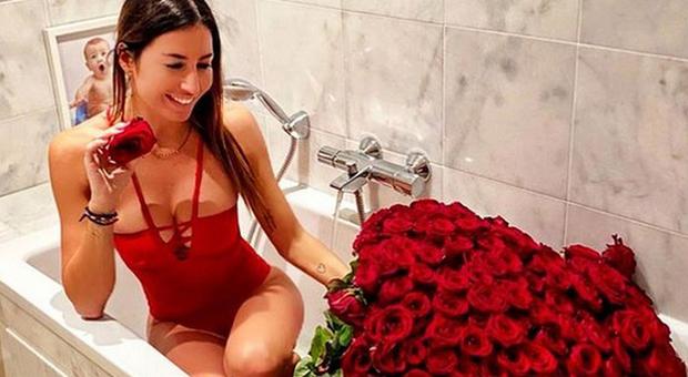 Elisabetta Gregoraci e le 300 rose rosse, svelata l'identità dell ammiratore segreto?