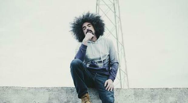 Caparezza: è uscito oggi il suo ottavo album Exuvia , il rapper di Molfetta si riappacifica col passato
