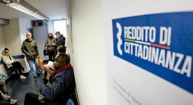 Reddito di cittadinanza per gli extracomunitari: si sblocca procedura, previsti anche arretrati