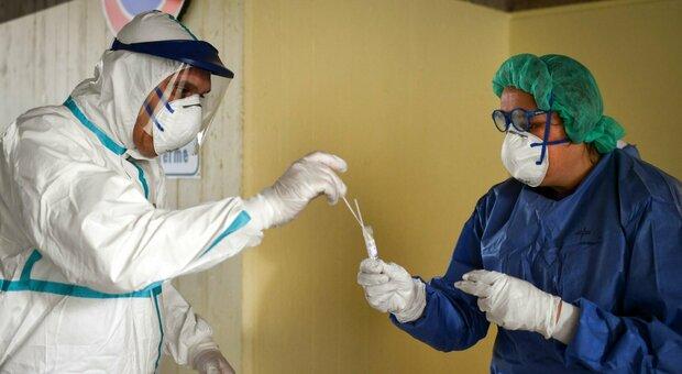 Coronavirus, numeri da far paura: altri 521 casi positivi nelle Marche