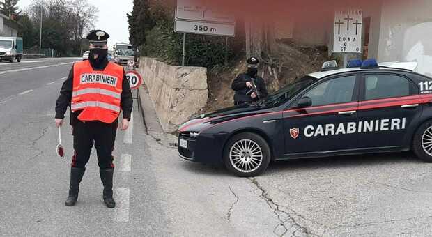 I controlli dei carabinieri di Fermo