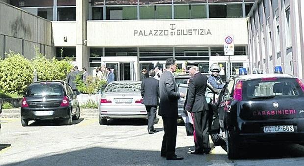 Si appropria dei soldi di un giovane disabile: amministratore di sostegno dovrà restituire 70mila euro per evitare il carcere
