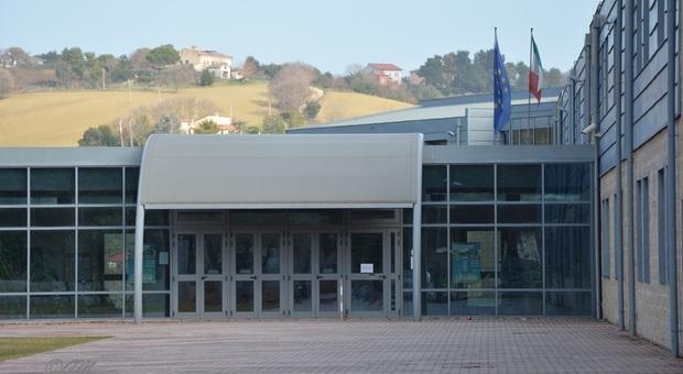 Ancona, spaccio di droga, è allarme nelle scuole: «Non lasciamo sola quell'insegnante»