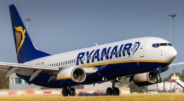Covid, Ryanair: da novembre voli ridotti dal 40 al 60%, chiusura temporanea degli scali