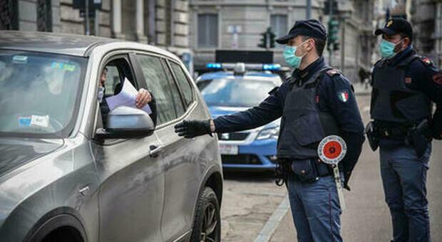 """Tutte le novità del Dpcm Covid: in auto anche con """"non conviventi"""", sì a spostamenti per funerali e case da affittare"""