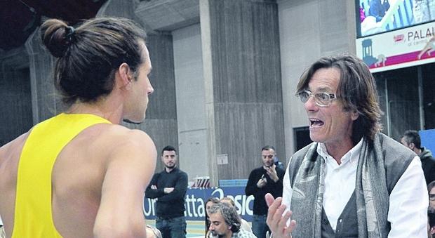 Una foto di archivio di Gianmarco Tamberi con il papà Marco