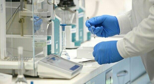 Vaccini, le differenze tra AstraZeneca, Pfizer, Moderna e J&J (e con gli altri tre in arrivo)