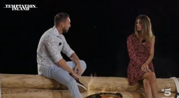 Temptation Island, Jessica va a letto con il tentatore Davide: si lascia con il fidanzato Alessandro