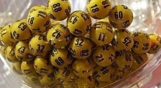 Lotto e Superenalotto, caccia ai numeri vincenti: il jackpot di oggi, sabato 17 aprile vale 138 milioni e 500mila euro