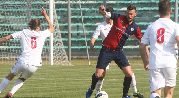 Denis Pesaresi, 28 anni, attaccante della Vigor Senigallia