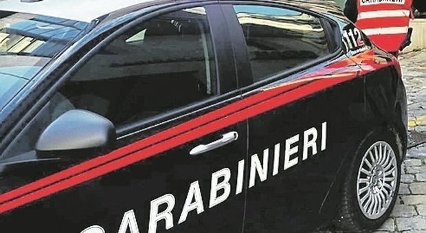 Ancona, party clandestino tra giovanissimi nel garage, ma i vicini chiamano i carabinieri: multe Covid per 5mila euro