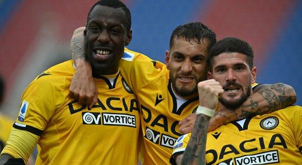 L'Udinese passa a Crotone grazie a due magie di De Paul: Cosmi con un piede e mezzo in B