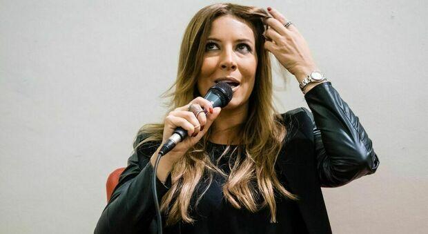 Sanremo 2021, Selvaggia Lucarelli e l'appello social di Chiara Ferragni per Fedez: «Legittimo, ma inelegante»