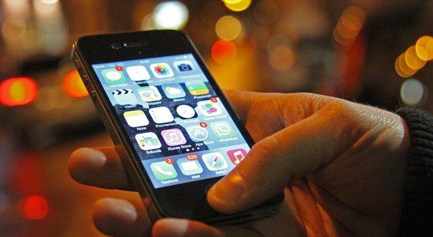Si susseguono le truffe sul cellulare Ecco i cinque numeri svuota-credito