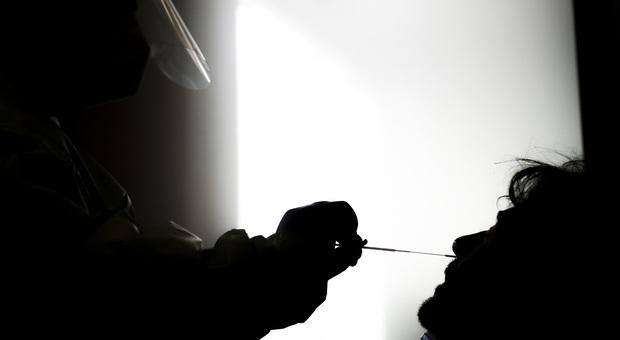 Coronavirus in Italia, 89 morti e 10.874 nuovi positivi. Quattro regioni oltre i mille casi, 870 in terapia intensiva
