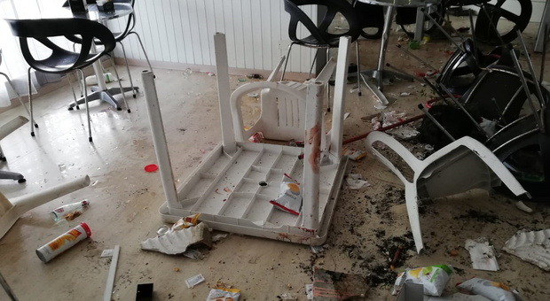 Porto Sant'Elpidio, pestaggio e coltellate al bar: caccia al mandante della spedizione punitiva