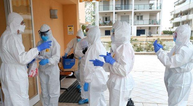 """Coronavirus, nel giorno dei record di tamponi i positivi nelle Marche sono """"solo"""" 47. Totale a 5.924"""