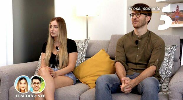 Temptation Island, Claudia e Ste sono la prima coppia: «Il nostro matrimonio rinviato a causa del Covid»