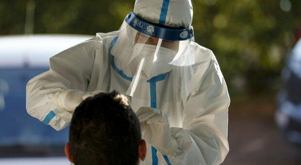 Lo strano caso dei tamponi antigenici rapidi: al Sanzio i positivi sono dieci volte di più di quelli del test di massa