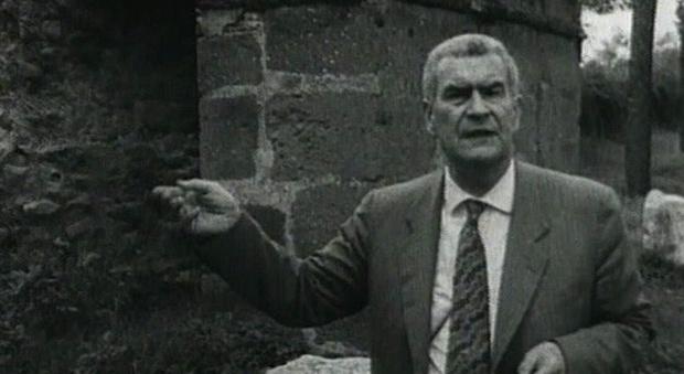 Federico Zeri, in un'immagine tratta da Wikipedia