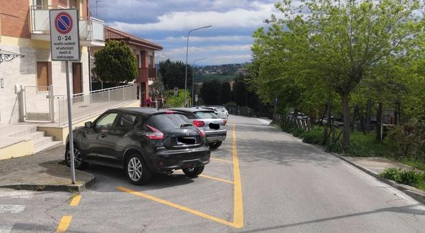 Sirolo, più parcheggi per residenti: meno spazi a disposizione di pendolari e turisti