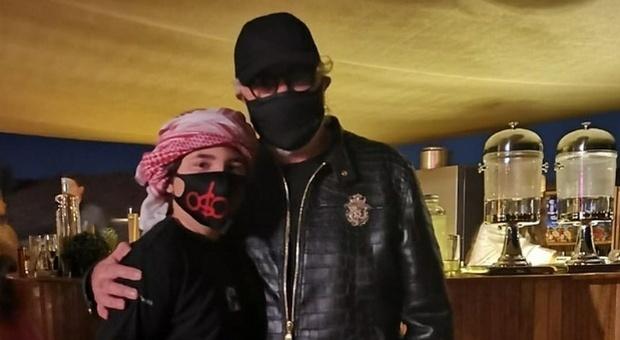 Flavio Briatore, fuga di Capodanno nel deserto con il figlio FOTO