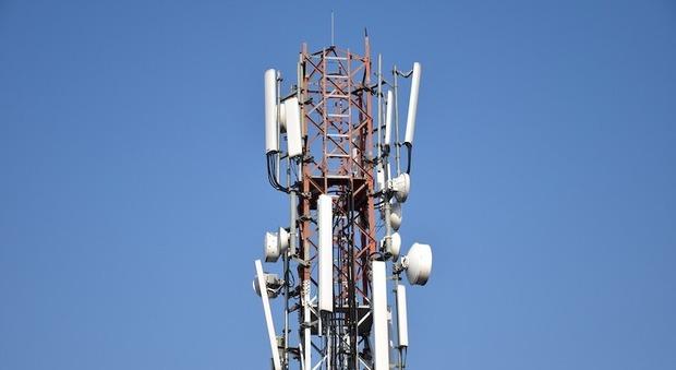 In città 100 antenne di telefonia e altre in arrivo ma nessuna domanda riguarda gli impianti 5G