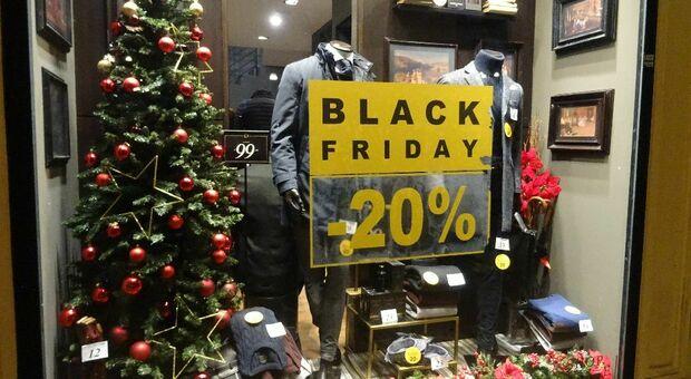 Già partiti nei negozi gli sconti per il Black Friday