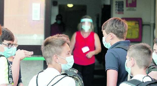 Vaccinare prof e personale, il Cts pressa il governo: in 221 mila senza una dose