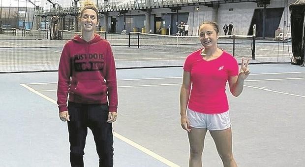 """I tennisti """"prigionieri"""" del Covid in Australia, Cocciaretto: «Chiusi in una stanza senza aria»"""