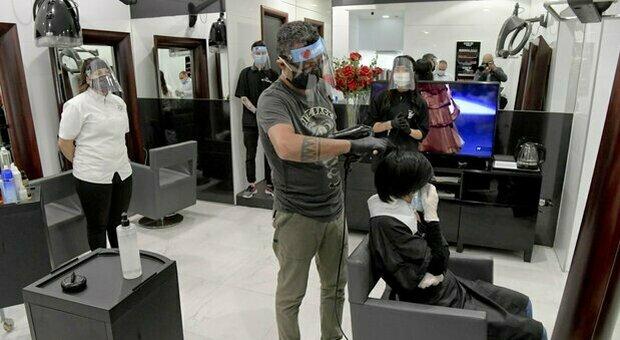 Nuovo Dpcm, il testo integrale: barbieri e parrucchieri aperti anche nelle zone rosse