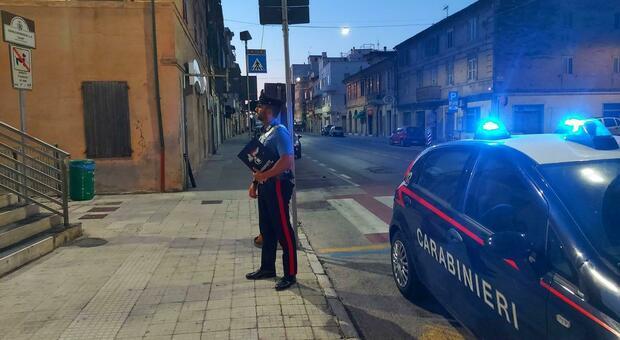 Sul luogo della rissa sono intervenuti i carabinieri