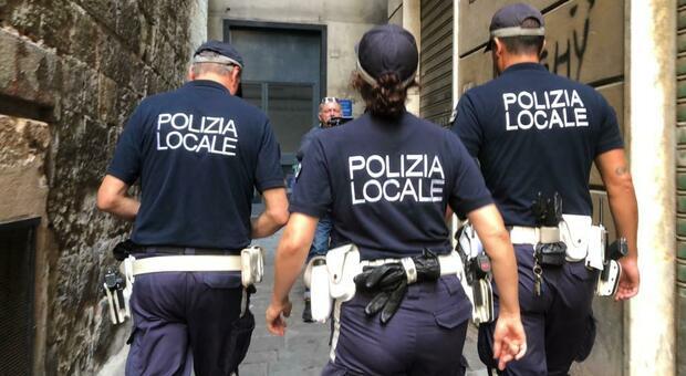 La polizia locali al lavoro, foto d'archivio