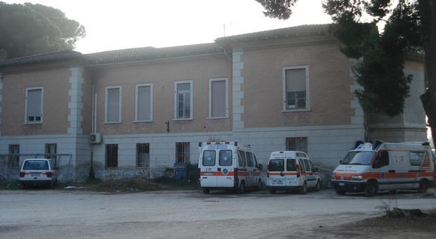 Il grido d'allarme dei dipendenti della Croce Azzurra: «Da cinque mesi senza stipendio»