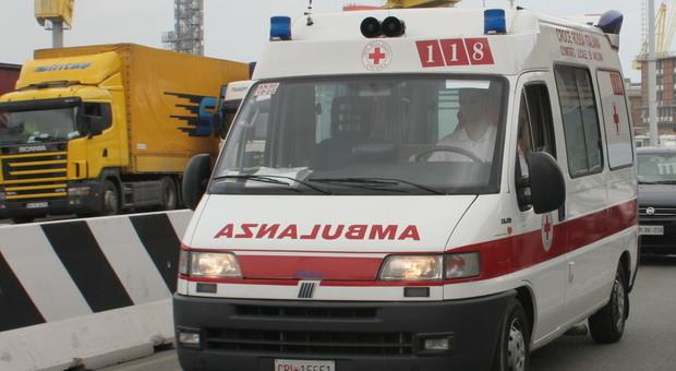 Ancona, arresto cardiaco al cantiere navale: operaio 50enne salvato in extremis