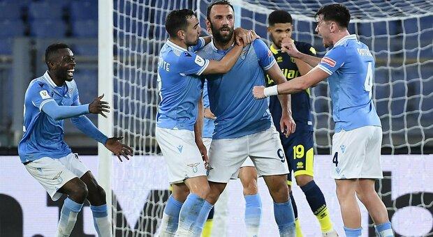 Lazio-Parma 2-1: Muriqi provoca l'autogol decisivo al 90', mercoledì l'Atalanta ai quarti