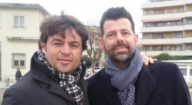A sinistra Luca Santarelli con il capogruppo del Pd in consiglio regionale Maurizio Mangialardi