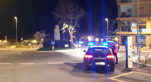 Fossombrone, truffe agli anziani e furti in casa: caccia ai banditi sulla Opel scura