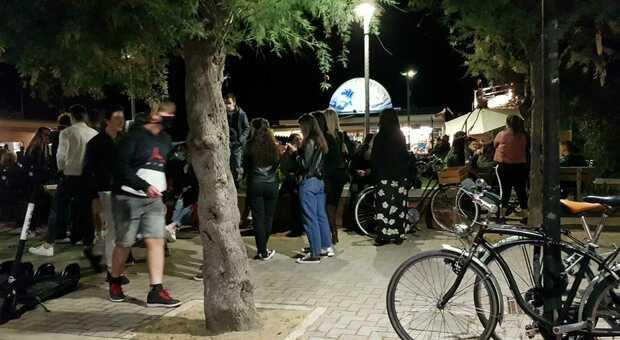 Pesaro, il coprifuoco fa calare il sipario sulla movida: «Così sarà un'estate disastrosa»