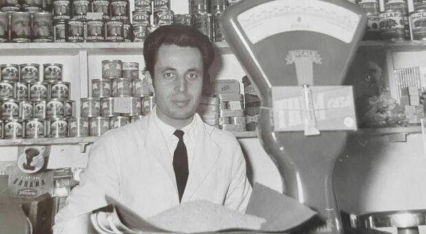 Falconara, la città in lutto per Dino Mancinelli: si è spento a 91 anni il re della norcineria