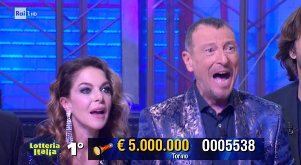 Lotteria Italia, l'estrazione dei biglietti vincenti