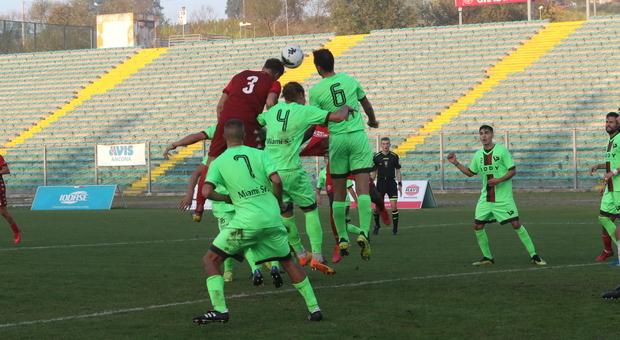 Un'immagine di Anconitana-Valdichienti dell'ottobre dell'anno scorso durante il campionato poi interrotto per Covid