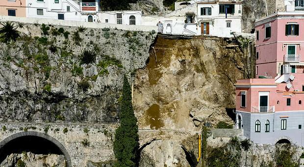 Incidente Capri, quelle strade tortuose dalla Costiera a Ponza: quanto sono sicure le mete turistiche italiane?
