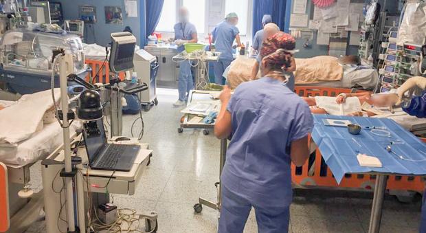 Trasferiti i pazienti non Covid: gli ospedali per ora respirano