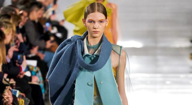 Moda, la tendenza delle griffe è Upcycling: da scampoli damascati e vecchi merletti nascono pezzi unici
