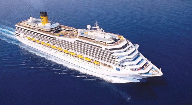 Martedì sbarcherà ad Ancona la Costa Magica: tampone per tutti, i positivi restano a bordo