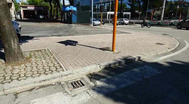 Le barriere architettoniche ad Ascoli sono un problema per mamme e disabili