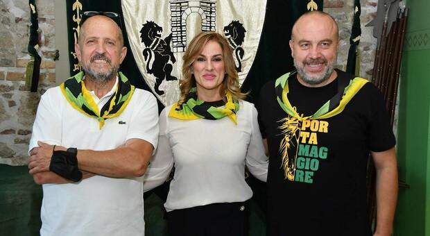 Il console David Vitelli, la dama Barbara Mannocchi e il caposestiere Marco Regnicoli