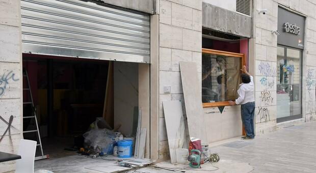 Ascoli Piceno, in centro è tutto un fiorire di cantieri per aprire nuovi negozi